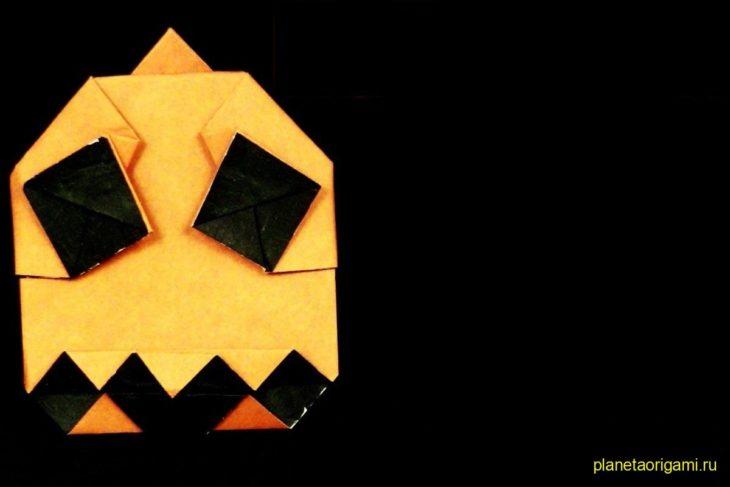 Оригами безумный Джек из бумаги оранжевого цвета