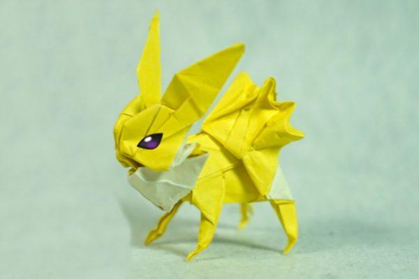 Оригами покемон Джолтеон из бумаги жёлтого цвета