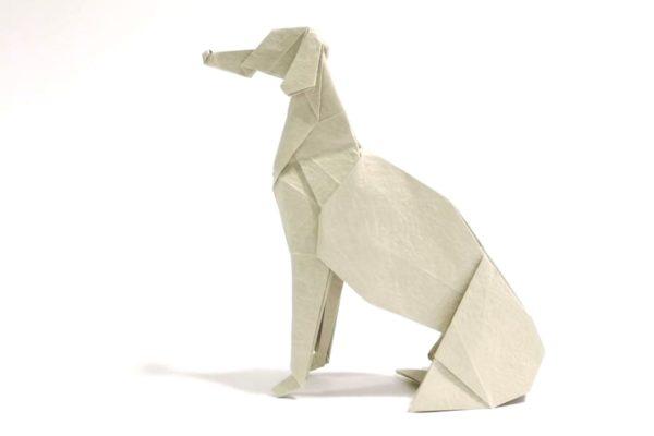 Оригами борзая из бумаги белого цвета