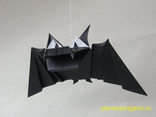 Летучая мышь к Хеллоуину от