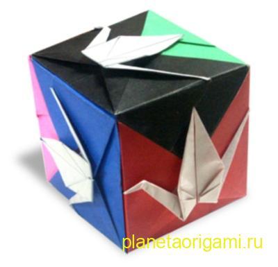 куб с журавликами
