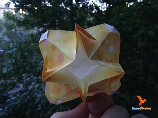 обратная сторона цветка оригами от Joost Langeveld