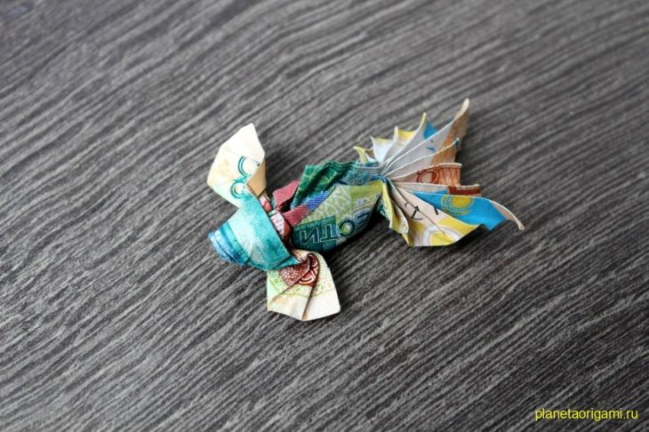 Origami koi fish for Origami koi fish tutorial