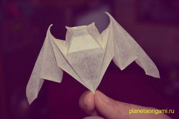 Поделки из бумаги для детей: делаем летучую мышь из яичной коробки поделки бор машиной.