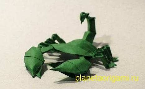 origami scorpion by Javier