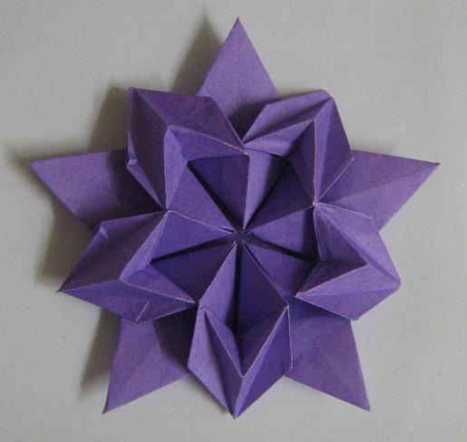 цветок сакуры из бумаги