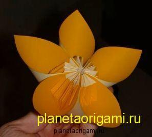 Модульный цветок