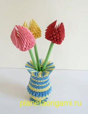Цветы из треугольных модулей