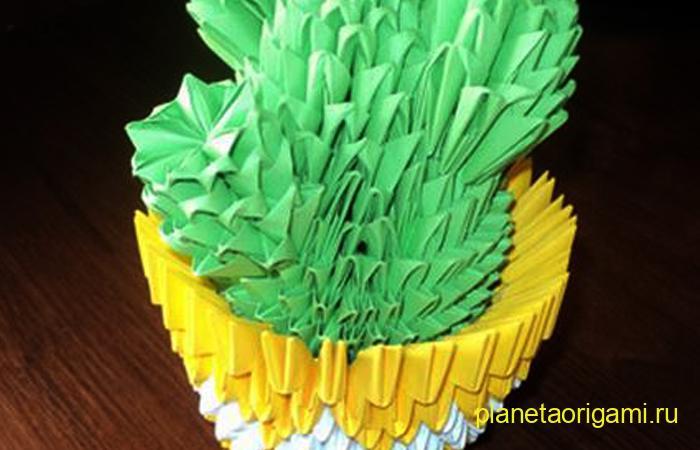 Оригами кактус из треугольных модулей