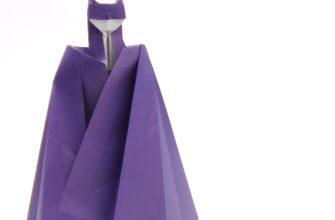 Оригами Бэтмен из бумаги по схеме Angel Morollon Guallar