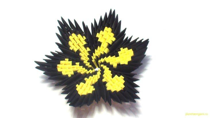 3D Origami Spiral Flower