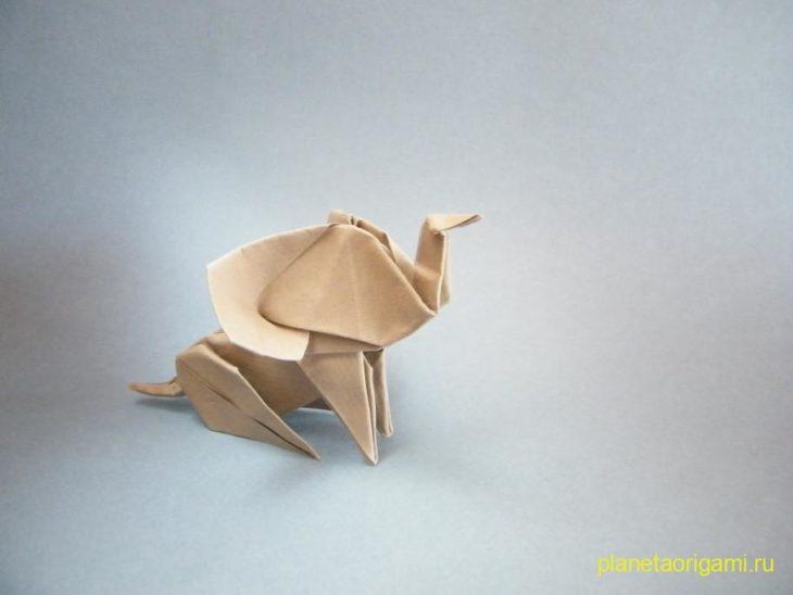 Оригами слоненок по схеме Alexander Kurth