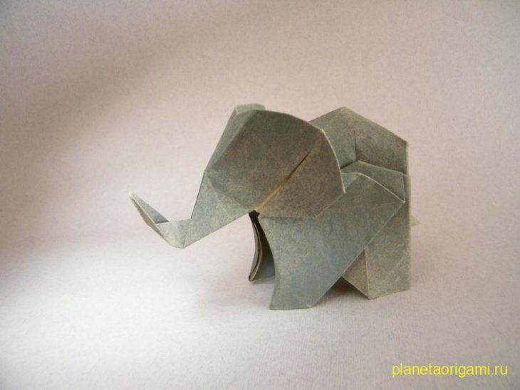 Оригами слон по схеме Fumiaki Kawahata