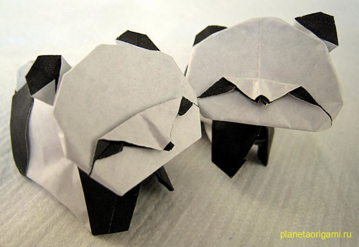 Оригами панда по схеме Акиры Ёсидзавы (Akira Yoshizawa)