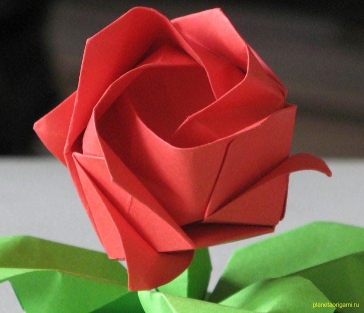 Делаем оригами розу кавасаки из бумаги своими руками