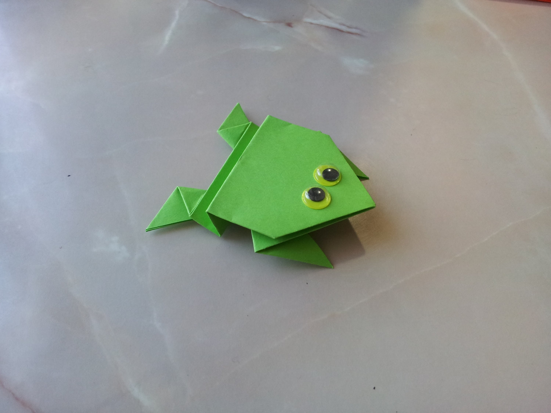 Лягушка-попрыгушка от Toshikazu Kawasaki