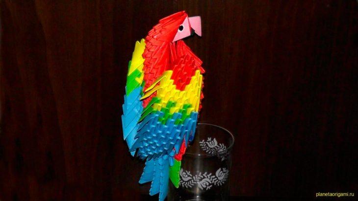 3D попугай из треугольных модулей