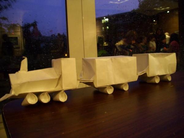 Оригами поезд по схеме Emmanuel Mooser