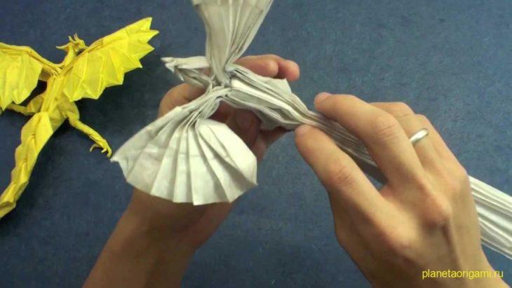 Бумажный феникс по схеме Satoshi Kamiya