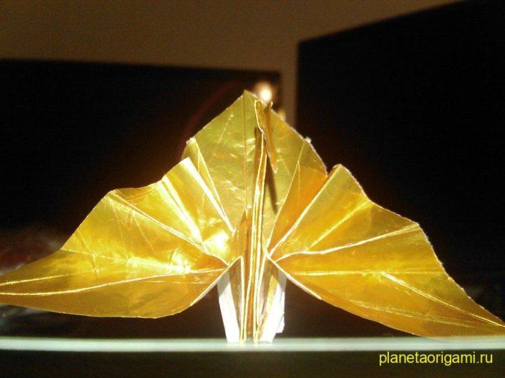 Поздравительный журавль из бумаги по схеме Jo Nakashima