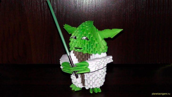 Мастер Йода из треугольных модулей