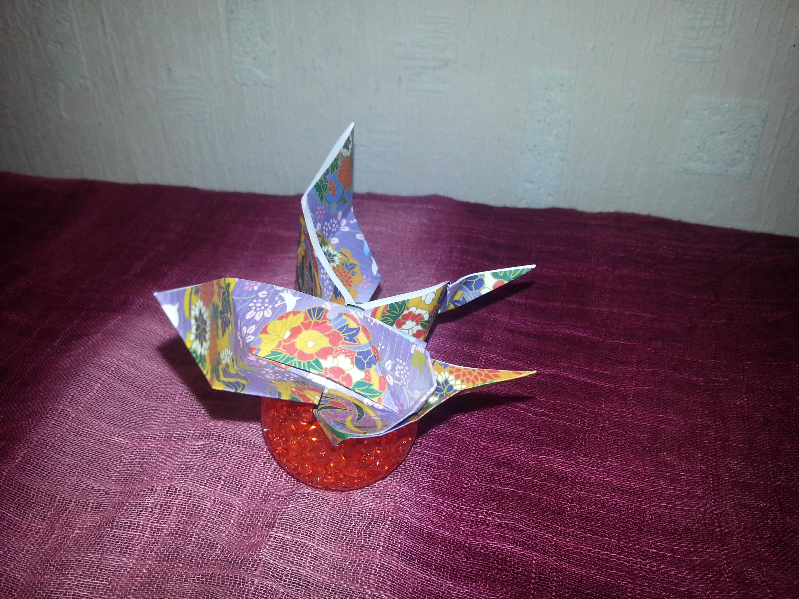 Оригинальная бабочка оригами с фраком