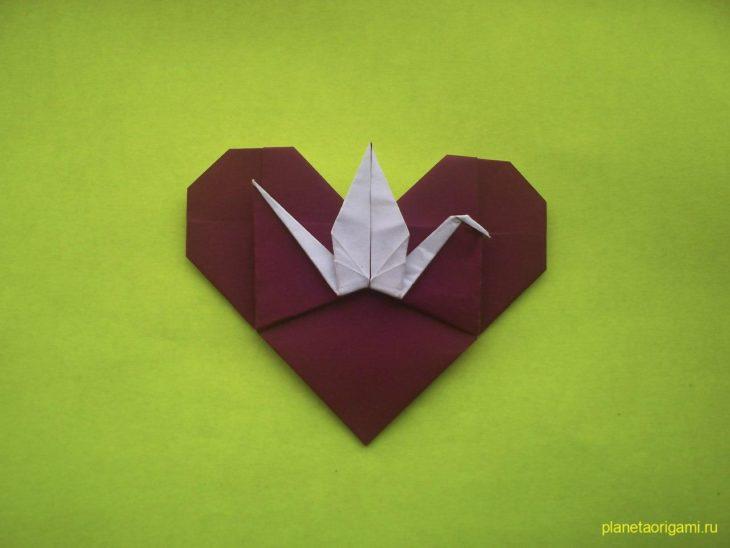 Сердце оригами с журавликом