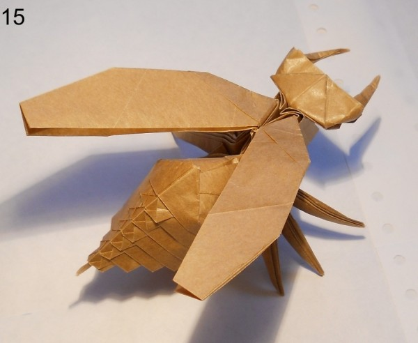 Муха из бумаги (традиционное оригами)