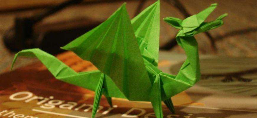 Сидячий дракон (дизайнер Гилади Ахарона)