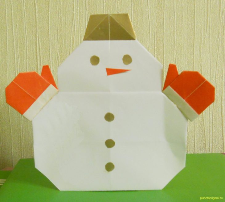 Снеговик из бумаги по схеме Roman Diaz