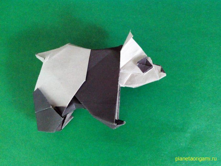 Забавная панда из бумаги по схеме Robert J Lang