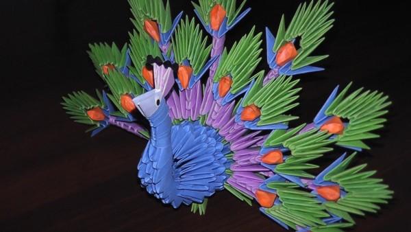 Простая схема сборки оригами павлина, видео урок