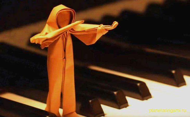 Оригами скрипач по схеме Петера Штайна (Peter Stein)