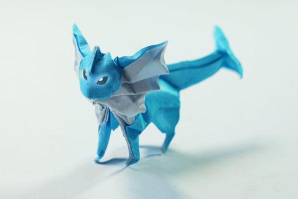 Оригами покемон Вапореон из бумаги бело-голубого цвета