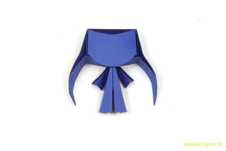 Оригами аниме Чиби девочка из бумаги сине-фиолетового цвета