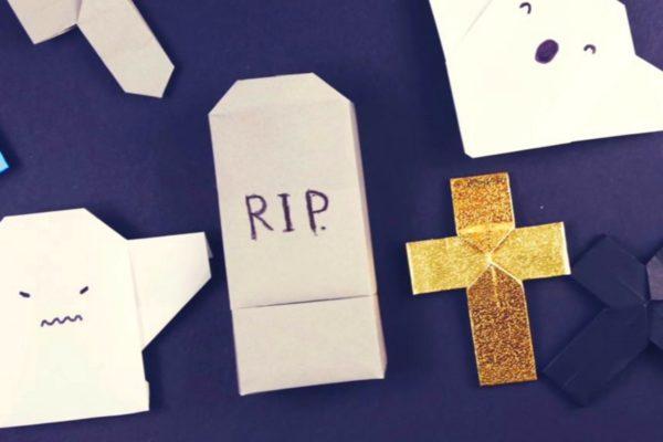 Оригами могильный камень из бумаги белого цвета