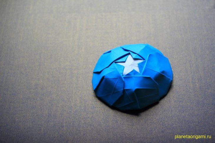 Оригами цит Капитана Америки по схеме Генри Фама (Henry Pham)