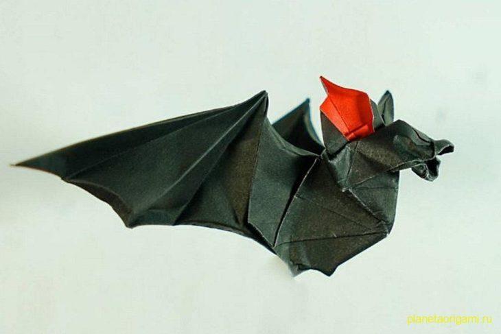Оригами летучая мышь по схеме Генри Фама (Henry Pham)