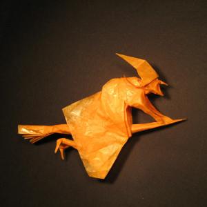 J. Anibal Voyer оригами ведьма