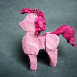 розовая лошадка оригами